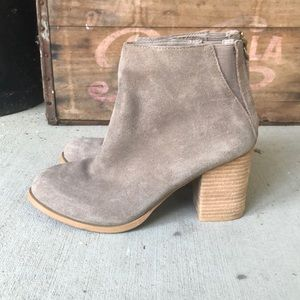 Urban Outfitters Shoes - Urban Outfitters Boots Size 7